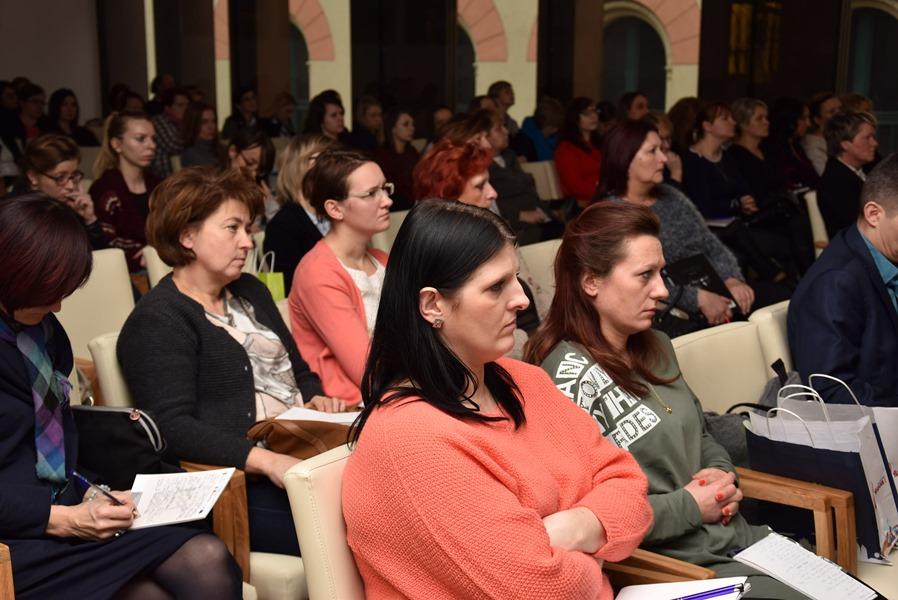 """Konferencja """"Wsparcie dzienne dzieci i młodzieży w województwie małopolskim"""""""
